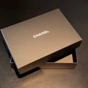 Chanel Gift Black Medium Box